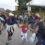 Una familia corre luego de cruzar la primera puerta del lado guatemalteco. Foto: Tragameluz