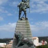 Une statue à Bonifacio