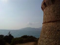 Vue aux abords de la tour
