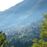 Village de Venaco dans la brume.