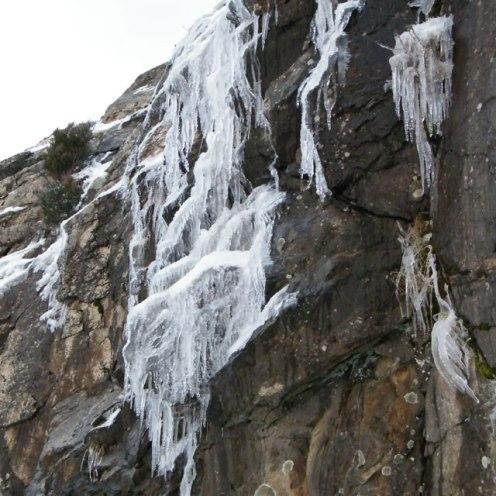 Des stalactites au col de Teghime.