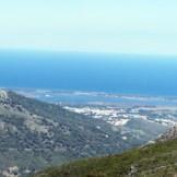 Belle vue sur Biguglia d'Ortale, l'étang de Biguglia et la mer au loin