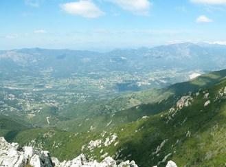 Vue sur la vallée de la Gravona et la plaine de Peri