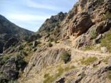 Le chemin a été fait avec des pierres de taille