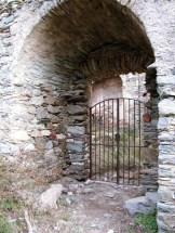 L'entrée a été grillagée en 2006