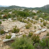 Des vestiges du néolithique: habitations?