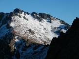 Les sommets sont enneigés