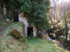 Un moulin en ruine