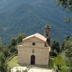 Une jolie église à Azzana