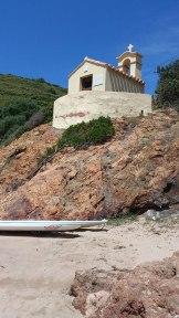 Une petite chapelle sur la plage