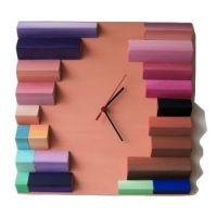 ceas-perete-colorat