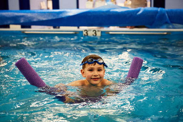 6 year old learns to swim starting at 6 months of age | Chicago Blue Dolphins
