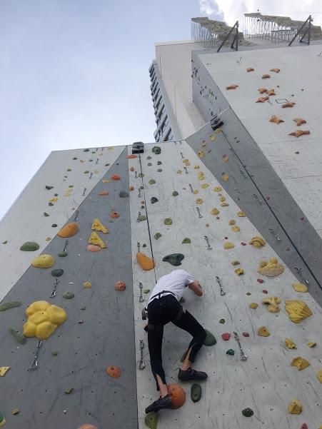 whitney-peak-hotel-basecamp