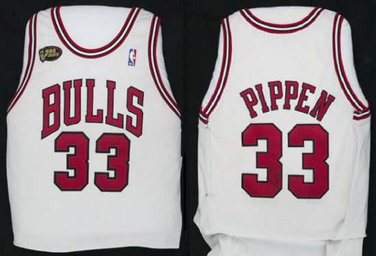 Scottie Pippen #33 Chicago Bulls jersey front and back
