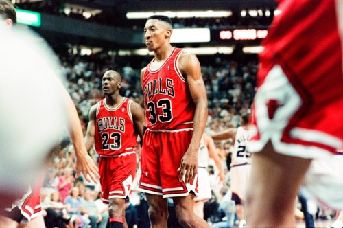 Scottie Pippen and Michael Jordan (background) during a 1993 game against the Phoenix Suns