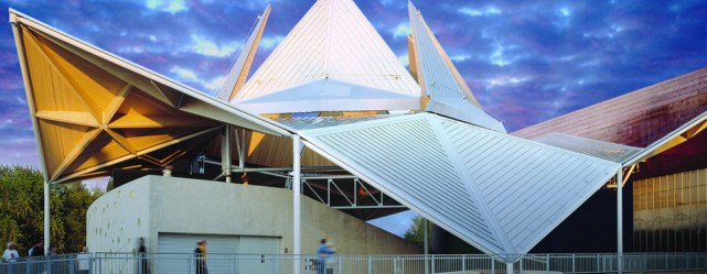 Home_Uni-Systems_Starlight-Theatre-Operable-Roof