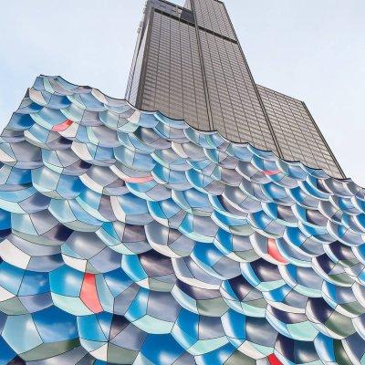 لوحة فنية عملاقة جديدة على سفح برج ويليس