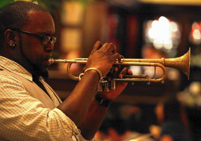 Trumpeter Marquis Hill's expanding artistry on display at Jazz Showcase -  Chicago Tribune