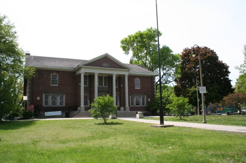 Frank J. Wilson Park – 4630 N. Milwaukee Ave