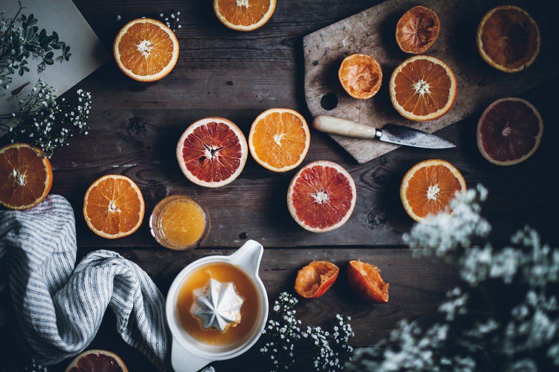 jugo de naranja con alfalfa beneficios