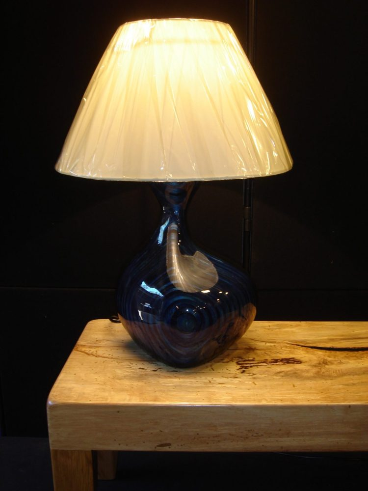 Lacquered wood lamp - wood