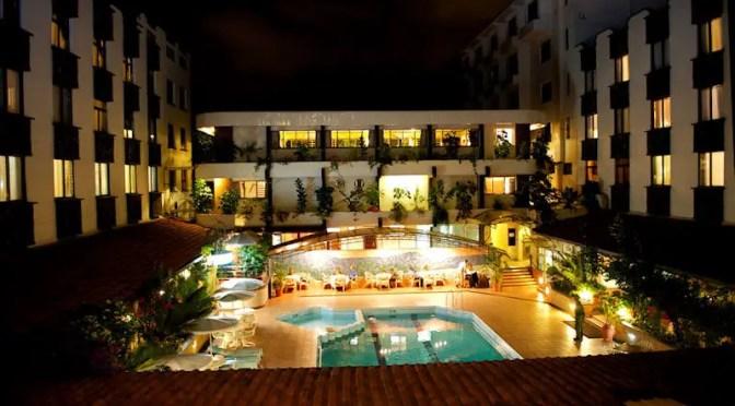 Silver Springs Hotel Courtyard