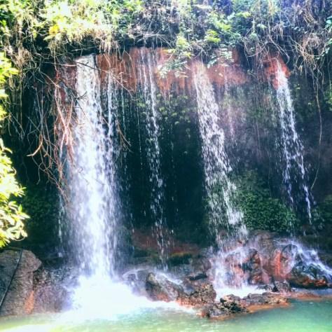 Waterfall, Amabeere ga Nyina Mwiru, Fort Portal Uganda