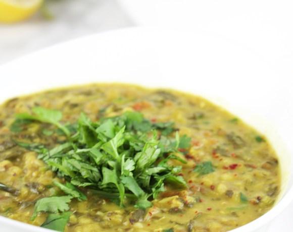 Spinach dal (pressure cooker recipe) {Video}