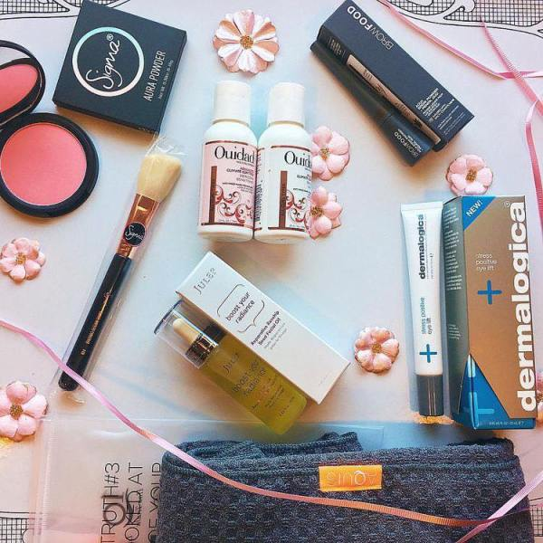 A bunch of free products from Influenster
