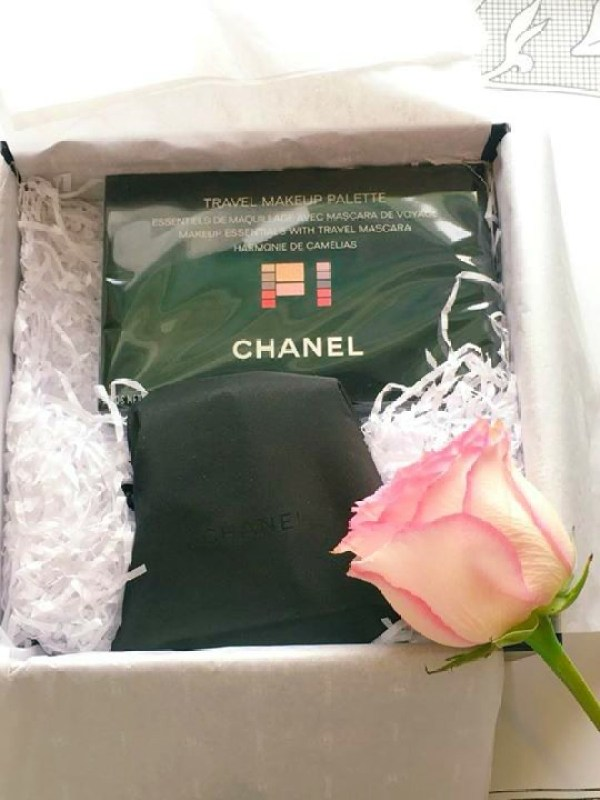 Chanel travel case with samples