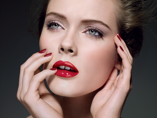 Chanel Rouge Allure Fall 2010 collection promo Chanel Rouge Allure Extrait de Gloss for Fall 2010