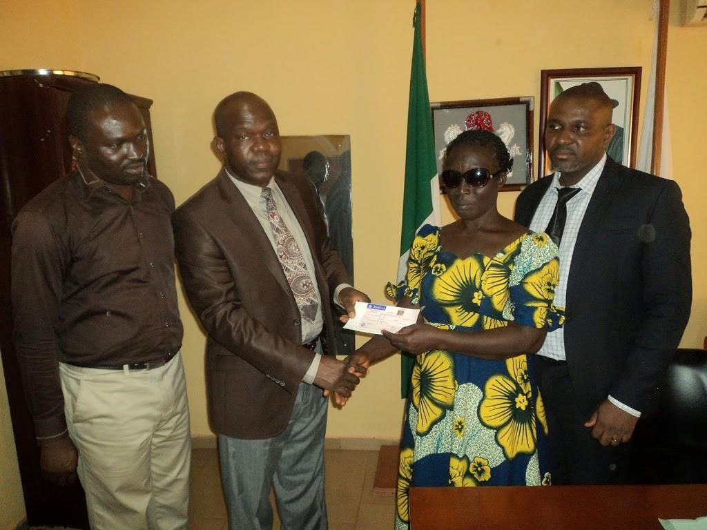 EFCC recovers N550,000 for blind teacher