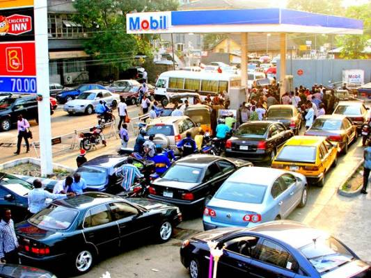 NNPC moves to end fuel queues in Abuja, employs monitoring team to check product diversion