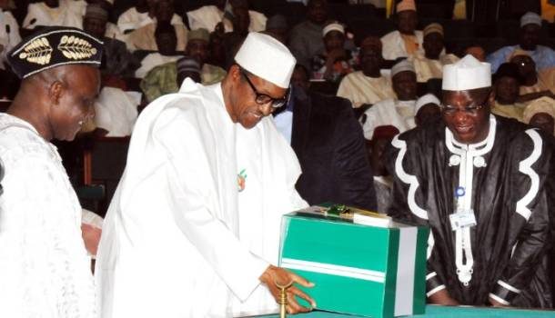2016 budget: Is President Buhari blackmailing the National Assembly?