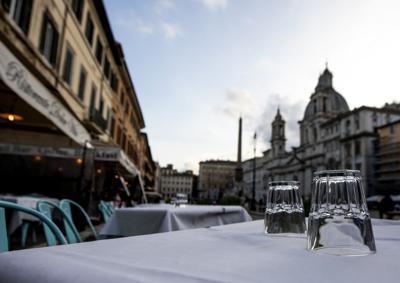 """NEWS / Nuovo Dpcm 3 dicembre, """"ristoranti aperti a Natale, Capodanno e Epifania"""""""