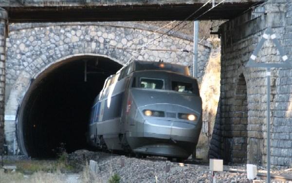 SNCF: sortir les comptes du tunnel de la dette