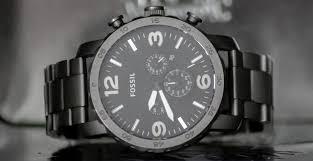 FOSSILの腕時計は2年間の保証つき!修理の流れや修理料金は?