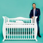 "Vadims Frolovs, CEO von YappyKids, mit Kinderbett ""YappyLa:le"""