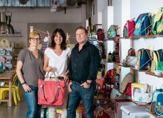 Genauso lässig wie erfolgreich: Claudia und Stefan Lässig haben gemeinsam mit Karin Heinrich die perfekte Aufgabenteilung gefunden, um in knapp zehn Jahren zu Deutschlands Marktführer im Wickeltaschenbereich aufzusteigen.