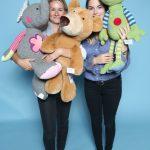 Jaqueline Jansky und Linda Böhner von H. Scharrer & Koch GmbH & Co. KG. Im Web unter: www.sigikid.de – auf der Kind + Jugend 2017 beim Childhood-Business-Shooting 'My Favourite Item'