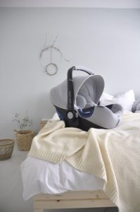 Baby Safe von Britax Römer in der Ausführung Nordic Grey