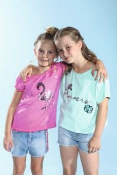 Elisa und Johanna mit Blue Effect beim Childhood-Business-Shooting auf der Kids Now im Sommer 2018