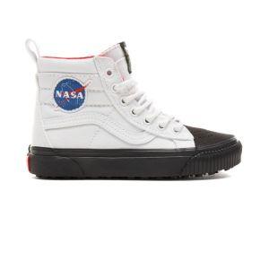 Das Modell Sk8-Hi Met in der Space-Voyager-Ausführung mit Nasa-Logo ist in den Schuhgrößen 27 bis 39 erhältlich.