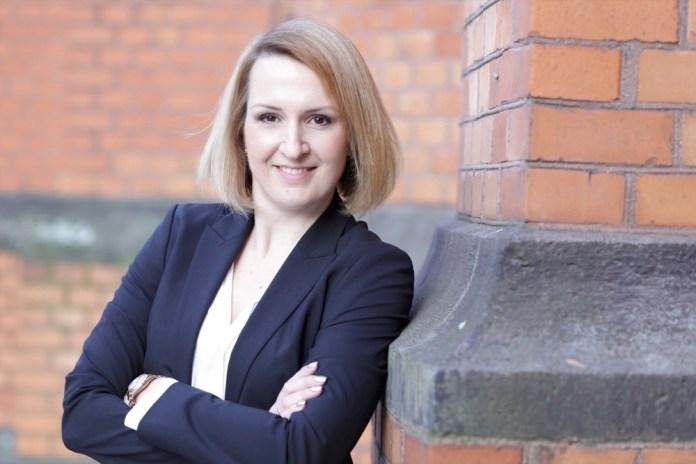 Karen Pascha-Gladyshev ist seit Februar 2019 Geschäftsführerin von Lego Deutschland.