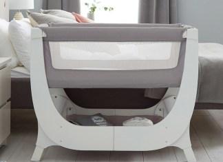 """Die """"Air Bedside Crib"""" von Shnuggle ist mehr als nur ein Beistellbett."""