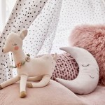kids-room-stuffed-animals-pillows 17-2-2020
