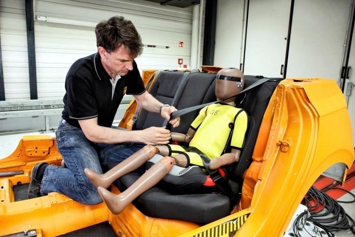 Der ADAC testete im Frühjahr 2021 Sitzerhöhungen – und bleibt skeptisch. Foto: ADAC