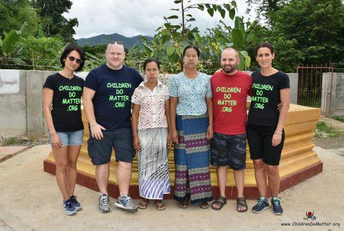 donne delle pulizie orfanotrofio sasana birmania - children do matter