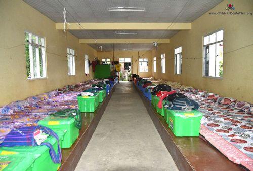 dormitorio 1 con materassi orfanotrofio sasana birmania - children do matter