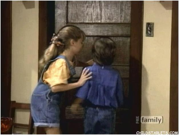 Christine Lakin Staci Keanan Quot Step By Step Quot Child